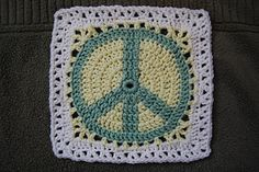10 Aug 16: Great news! The amazing Nadia of YARNutopia has made a video tutorial for this square. :D