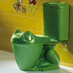 Green frog toilet (Oooh, I want this! Frog Bathroom, Bathroom Humor, Bathroom Ideas, Frog House, Toilette Design, Frog Art, Cute Frogs, Green Frog, Frog And Toad
