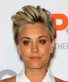 View and try on this Kaley Cuoco Short Straight Casual hairstyle - Medium Blonde.