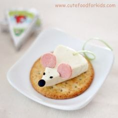 A cute mouse that's made from food!