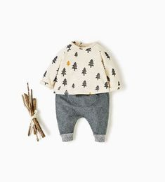 Baby Mouse Bonnet and footed romper newborn outfit – Cute Adorable Baby Outfits Baby Outfits Newborn, Toddler Outfits, Baby Boy Outfits, Kids Outfits, Baby Girl Fashion, Toddler Fashion, Kids Fashion, Fashion Clothes, Fashion Bags