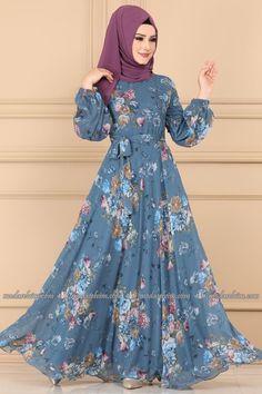 Long Dress Fashion, Abaya Fashion, Girl Fashion, Fashion Dresses, Muslim Women Fashion, Islamic Fashion, Ethnic Fashion, Gowns For Girls, Stylish Dresses