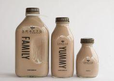 Shatto Chocolate Milk designed by Sullivan Higdon & Sink. Everyone loves this chocolate milk packaging. Milk Packaging, Beverage Packaging, Bottle Packaging, Packaging Design, Aesthetic Coffee, Aesthetic Food, Glace Fruit, Milk Companies, Bebidas Do Starbucks