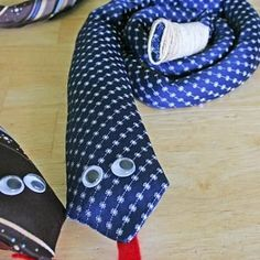 Tie Rattle Snake Buddy, and a great idea for all those REALY BAD ties!