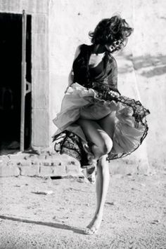 63 Best Ideas For Salsa Dancing Photography Pictures Body Photography, Vintage Photography, Amazing Photography, Portrait Photography, Photography Ideas, Danse Salsa, Salsa Dancing, Dance Poses, Street Dance
