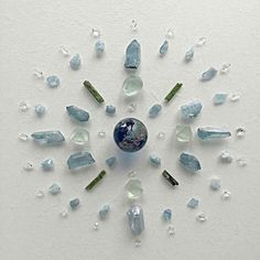 Witch Aesthetic, Crystal Grid, Sacred Geometry, Gold Accents, Art Projects, Stone, Inspiration, Journey, Magic