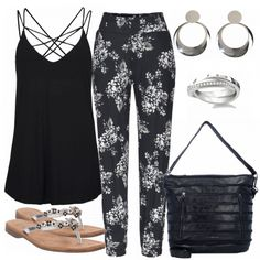 Sommer-Outfits: BlackSummer bei FrauenOutfits.de #fashion #fashionista #mode #damenmode #frauenmode #frauenoutfit #damenoutfit #outfit #frühling #sommer #modetrend #trend2018 #modetrend2018 #ootd #trend #sweet