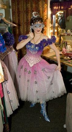 Lovely costume.Oh I love the original Phantom costumes !