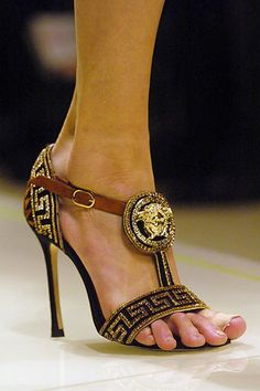 2faf6468b6 Versace Fall 2005 Ready-to-Wear Collection Photos - Vogue Versace Shoes
