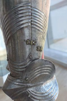 Enter your pin description here. Leg Harness, Suit Of Armor, Arm Armor, Medieval Armor, European History, 15th Century, Swords, Knights, Weapons