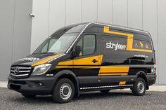 Sprinter mit Rettungswagenausstattung von Firmengelände gestohlen