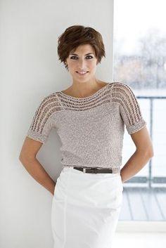 Ruck, zuck fertig! Mit Effektgarn glatt rechts gestrickt wird dieser Pullover zum neuen Lieblingsteil für den Sommer. Entdeckt jetzt unsere kostenlose Strickanleitung zum Download!