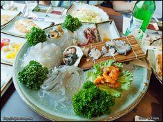 생선회, Korea Sushi Tempura, Sashimi Sushi, Mochi, Tapas, Architecture Tattoo, Celebrity Travel, Funny Tattoos, Design Quotes, Korean Food