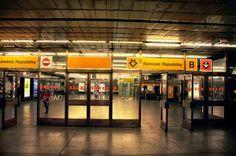 Praha: Metro Station (Subway): Náměstí Republiky