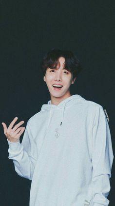 Hoseok is my hope💚💜💚 Jung Hoseok, Kim Namjoon, Seokjin, Gwangju, Jimin, Bts Bangtan Boy, Foto Bts, Bts Photo, J Hope Tumblr