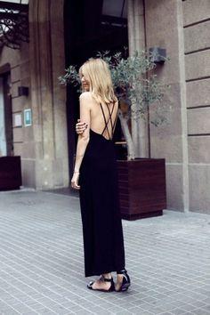 sırt dekolteli bluz, sırt dekolteli elbise, sırt dekoltesi
