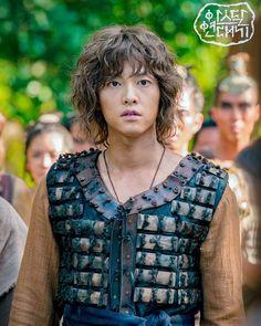 Song Joong Ki, Kpop, Best Series, Korean Drama, Celebs, Singer, Actors, Characters, Fashion