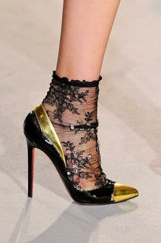 I shall look for the socks! Sheer chic!