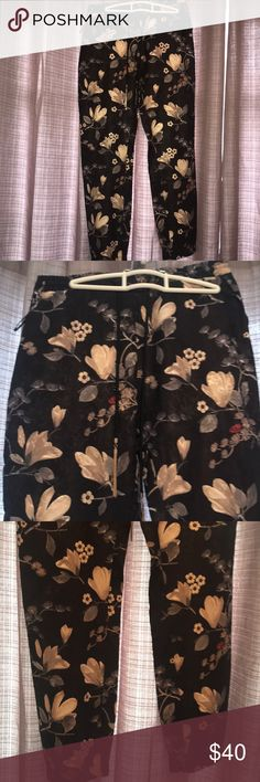 Guess Pants In great condition has no rips or tears.  Comes from a smoke free household.  97% Polyester 3% spandex Guess Pants