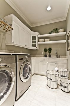 The basement laundry room doesn't have to lack style. These all basement laundry room ideas 2019 offer easy design for a better laundry room.