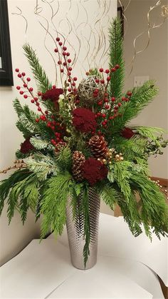 Amazing Front Porch Christmas Decorating Ideas, Winter pots, Christmas Decor… – The Best DIY Outdoor Christmas Decor Winter Floral Arrangements, Christmas Flower Arrangements, Christmas Flowers, Noel Christmas, Christmas Wreaths, Christmas Floral Designs, Christmas Ideas, Advent Wreaths, Christmas Tables