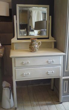 Annie Sloan Old White Dressing Table