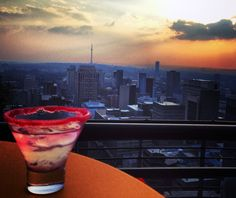 Sun-downers on Rooftop bar Johannesburg @ Parktonian Hotel South African Recipes, Festival Tops, Rooftop Bar, I Can Do It, Spa Day, Soul Food, The Locals, Places To Go, Things To Do