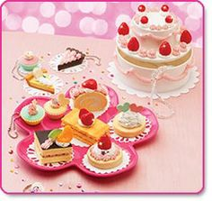 Whipple Deluxe Pastry Set, comes with extra bag of whipple and cake box