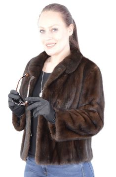 The jacket is in a well-kept and very good condition. The jacket has side pockets. Most of our fur coats and jackets are expertly cleaned in a special furs machine. It is cleaned with sawdust and chemicals. Mink Jacket, Vest Jacket, Fine Women, Mink Fur, Ranch, Beautiful Women, Fashion Outfits, Clothes For Women, Link
