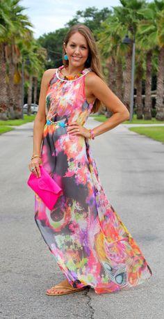J's Everyday Fashion: The Beach Wedding Shop her dress here: http://us.ever-pretty.com/all-dresses/evening-dresses/round-neckline-floral-printed-belt-evening-formal-dress-he09837hp.html