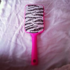 Zebra and Pink Glitter Hairbrush (: Why is this not in my life?