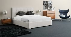 Get cosy in a modern urban bedroom by BoConcept.