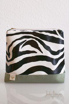 "Kosmetiktasche ""Zebra"", Kulturtasche, gross, vegan // cosmetic bag ""zebra"", make up bag, wash bag, large, vegan von byJadaDesigns auf Etsy"
