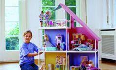 Schaffen Sie eine Puppenstube nach Maß für Barbie und ihre Freundinnen: Mit dieser Anleitung können Sie ein Barbie Haus selber bauen