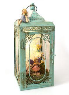 Mini Fairy Garden in Nest Fairy Lanterns, Garden Lanterns, Fairy Lights, Fairy Jars, Fairy Crafts, Fairy Garden Houses, Fairies Garden, Fairy Furniture, Fairy Garden Accessories
