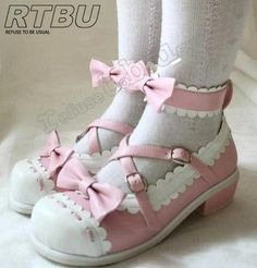 Handmade Two Color Sweet Lolita Scallope Mary Janes Dolly Heel Heel Shoes Harajuku Girls, Harajuku Fashion, Lolita Fashion, Melanie Martinez Style, Ropa Shabby Chic, Best Friend Match, Lolita Shoes, Japanese Street Fashion, Kids Boots