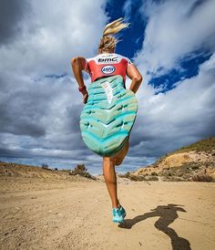 26 Ideas sport photography running muscle for 2019 You are in the right place about Photography Subjects photographs Here we Fitness Photography, Sport Photography, Creative Photography, Photography Poses, Jogging, Running Muscles, Foto Sport, André Kertesz, Foto 3d