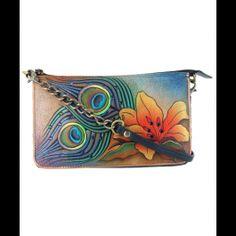 Surprinde-ti iubita de ziua de nume cu o geanta Lily din piele naturala, Anuschka, un cadou ideal pentru femei de Sf. Andrei