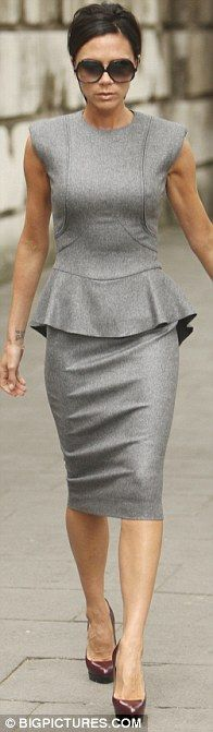 Victoria Beckham in Victoria Beckham Fall 2009 wool cashmere dress collection
