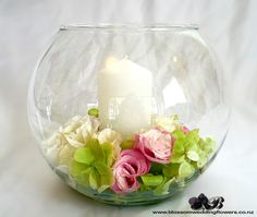 fishbowl-vase-wedding-table-flowers by Blossom Wedding Flowers, via Flickr