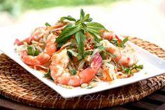 Vietnamese Green Papaya Salad With Prawns Recipe (Food For Four)