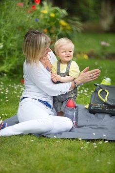 Les promenades avec bébé ne sont plus un problème avec Badabulle et son chauffe biberon de voyage !