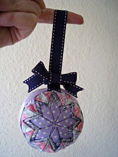 The Best Free Crafts Articles: No Sew Quilted Ball - Christmas Tutorial No 3 by Ros Coffey of RosMadeMe Blog
