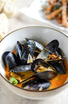 pressure cooker coconut-curry mussels