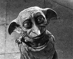 m ┌ ┐ Dobby était un elfe de maison contraint à servir la famille Malefoy. Il fut libéré par inadvertance par Lucius Malefoy lorsque Harry Potter tendit une vieille chaussette ayant app...