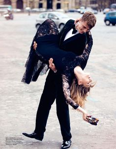 Vogue Paris Setembro 2013 | Karline Caune, Martha Hunt e mais em Parisiennes por David Bellmere