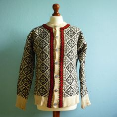 Vintage Nordic Cardigan Sweater Wool size M by onlinevintageshop, €57.00