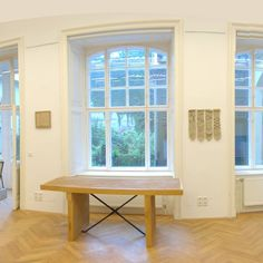 Mesterii si designerii romani, aplaudati la Vienna Design Week http://www.galasocietatiicivile.ro/stiri/dezvoltare-economica-si-sociala/mesterii-si-designerii-romani-aplaudati-la-vienna-design-week-15550.html?gid=6950