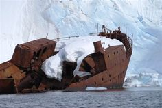 Antarctica, An old whaling ship, The Gouvernoren. Antarctica photos 2 1345 This ship caught fire in 1915 and sunk.