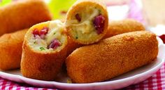 Spanish cheese croquettes with salami Empanadas, Yummy Snacks, Yummy Food, Healthy Snacks, Comida Diy, My Favorite Food, Favorite Recipes, Island Food, Party Food And Drinks